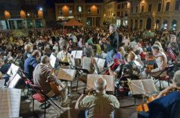 Sabato 21 Agosto Arena Verdi Piazza Fratti Forlimpopoli Concerto: L'ORCHESTRONA & FRIENDS