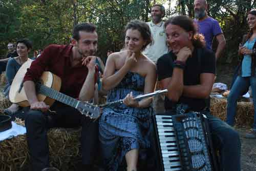 SALA ARAMINI FOLK CLUB 1 DICEMBRE TAKE TUKE IN CONCERTO